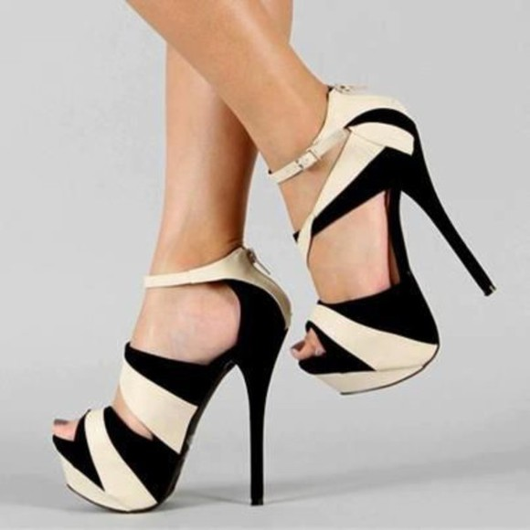 geometric black and white bold heels pumps gorgeous cute oh my god i need these so bad i need it for prom help formal classy girls best friend