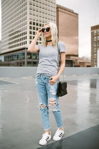 t-shirt denim boyfriend jeans distressed denim adidas gazelle adidas white sneakers choker necklace blogger blogger style crossbody bag