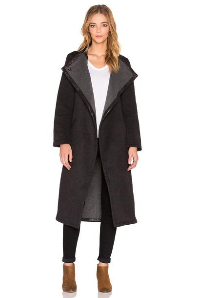 Veda coat black