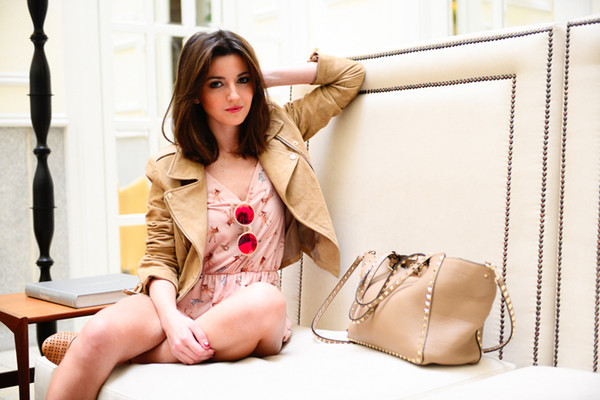 lovely pepa pants jacket bag jewels sunglasses