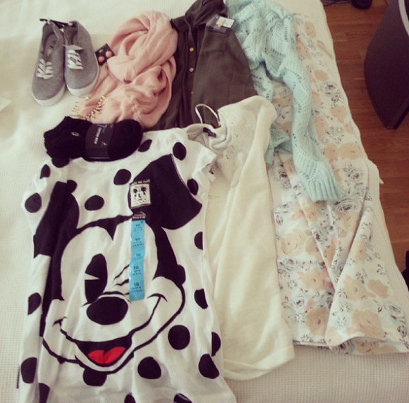 white top shirt black mickey mouse disney