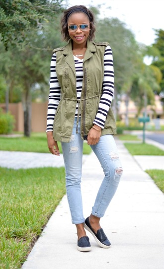 blogger khaki sunglasses jacket cha cha the fashion genius stripes vans