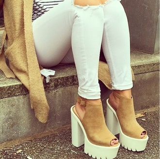 shoes heels beige shoes high heel sandals