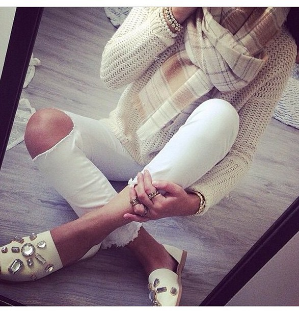 sweater classy light style scarf