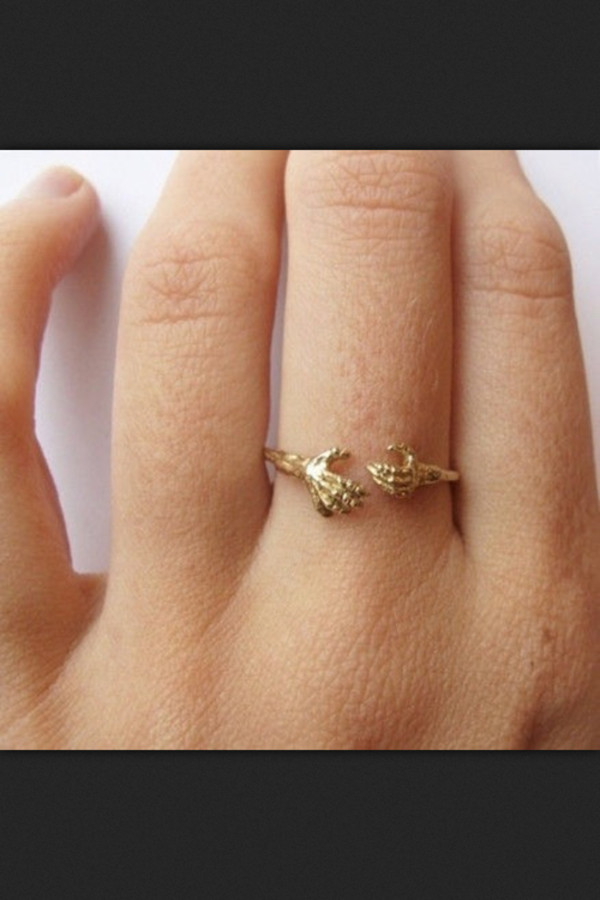 jewels ring hand ring claw ring