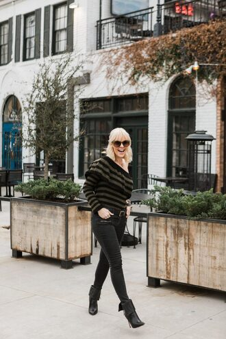the courtney kerr blogger sweater jeans shoes belt sunglasses jewels black jeans ankle boots winter outfits
