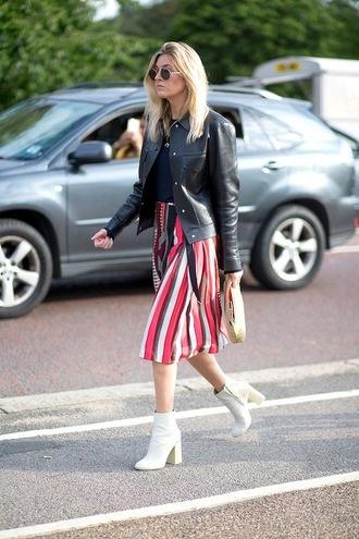 le fashion blogger sunglasses jacket skirt