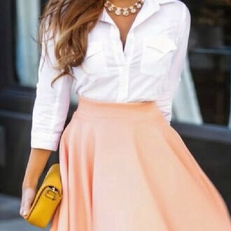 blouse jewelry necklace statement necklace bling skirt jewels shoes nude bow pointed toe nude high heels nude pumps nude heels bow high heels bows pointed pump perfecto sexy pumps peach flared skirt peach skirt aubrey hepburn love vintage classy dress beige shoes high heels pumps