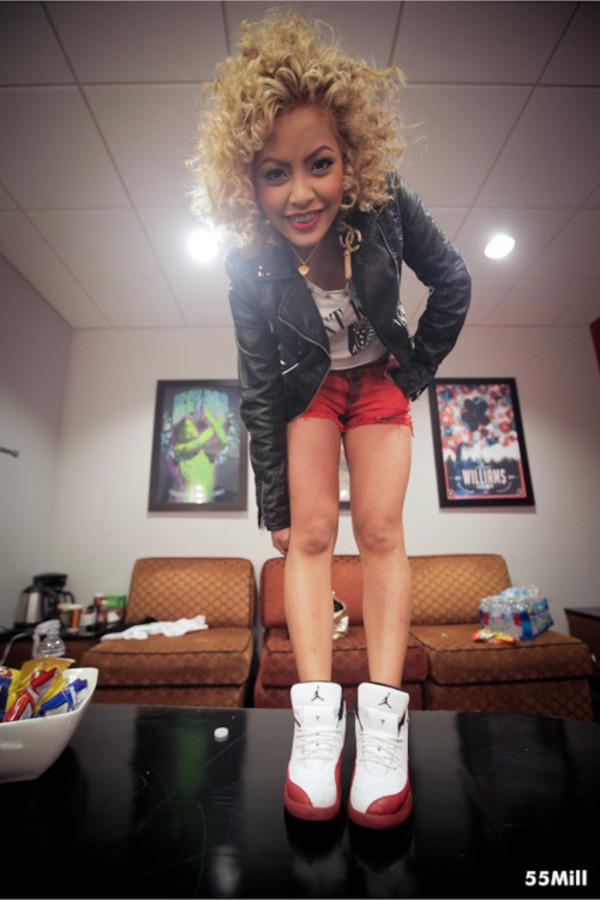 shoes jordans honey cocaine red white cute jewels shorts