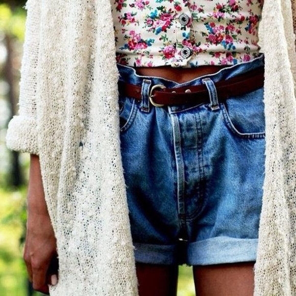 white loose fit cardigan style woolly tank top shorts denim shorts blouse Belt