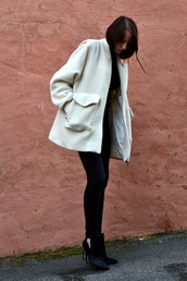 shot from the street,blogger,jeans,off-white,black and white,coat,sweater,shoes