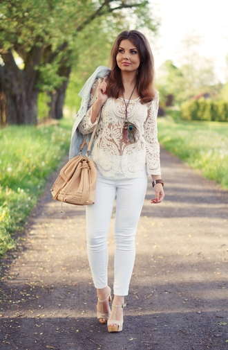 a piece of anna blogger blouse t-strap heels leather bag white jeans