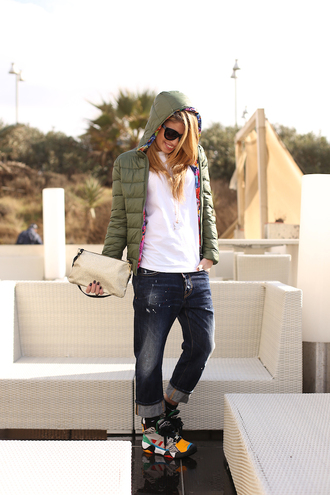 chiara nasti blogger down jacket boyfriend jeans t-shirt jeans shoes jacket bag jewels hooded jacket army green jacket white top sunglasses pouch denim cuffed jeans blue jeans cropped jeans sneakers