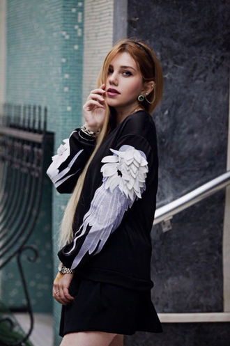 sweater wings white black fashion style swag grunge fashionista cool feathers