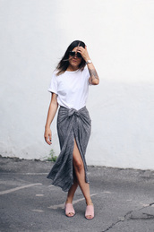 elif filyos,blogger,white top,grey skirt,slit skirt,pink,flats,mules,suede shoes,front slit skirt,summer outfits