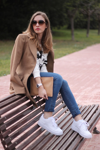 say queen coat sweater sunglasses bag jeans shoes jewels