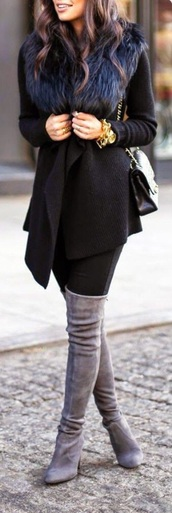 coat,shoes,jacket,fur jacket,fur hood,black,black jacket,bach and fur,winter outfits,winter coat,fur collar coat,fur,black fur,black fur jacket,fur coat,black coat,black fur coat,clothes