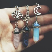 jewels,blue,pink,necklace,purple,pierre,lune,bleu,argent?,om,moon,lotus flower,hipster,hippie,vintage boots,beautiful