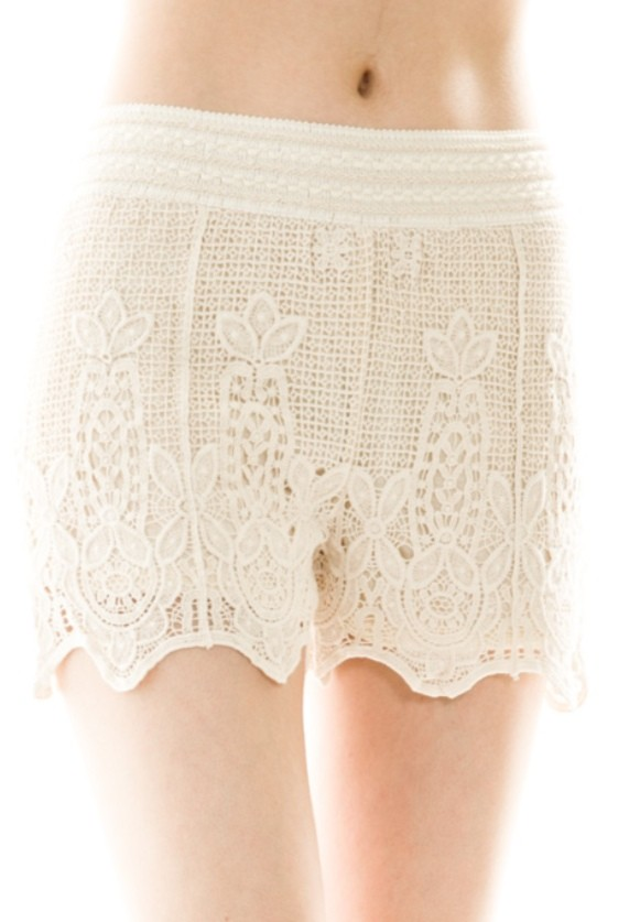 Summer days lace crotchet shorts