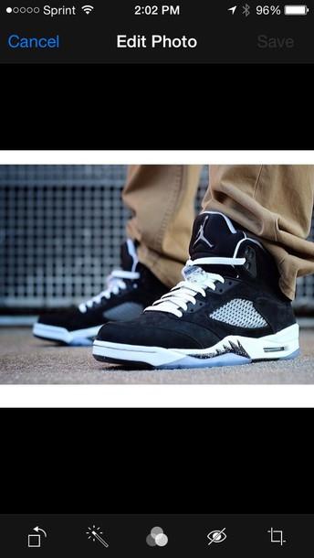 shoes black white jordans sneakers