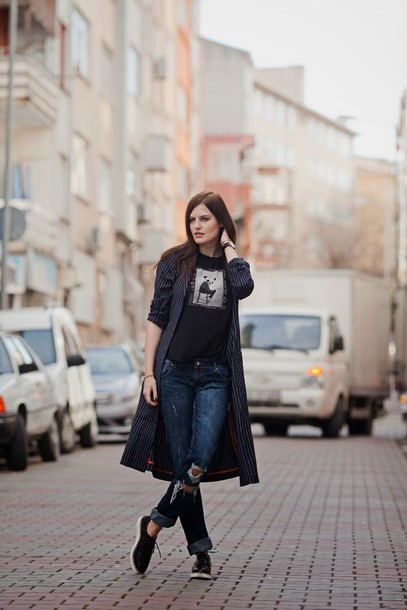 the bow-tie blogger coat t-shirt jeans