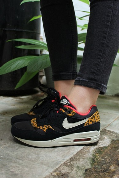 print white black shoes nike airmax leopard