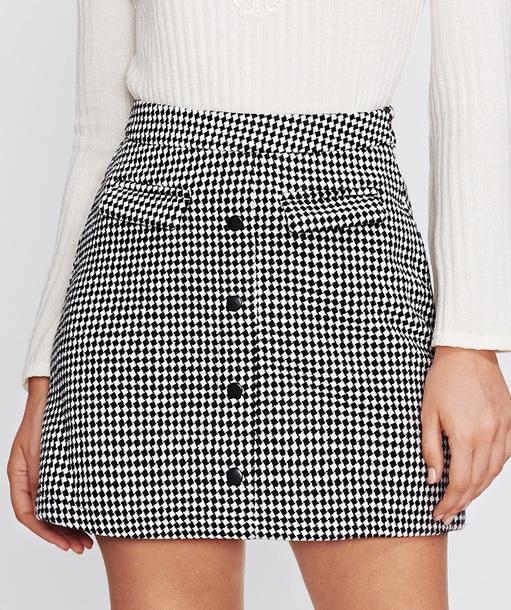 skirt girly black black and white plaid plaid skirt mini mini skirt button up