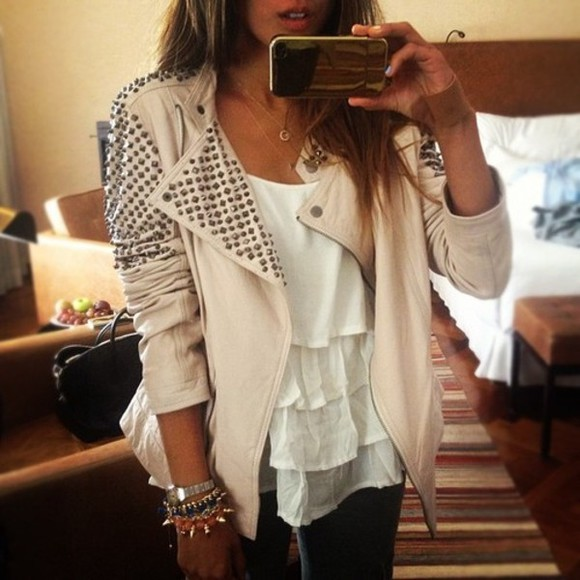 jacket leather jacket white tank pale pink studded ruffle fashion studded jacket perfecto shirt tank top clothes studs pretty blouse beige jewels trending hot outerwear white jeans t-shirt wow beautiful