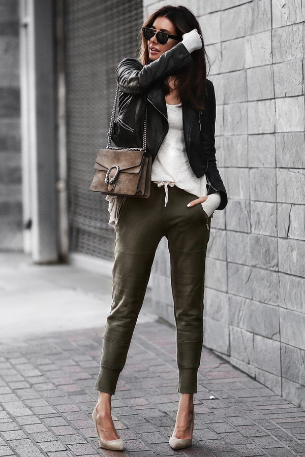 061f03f5abed5f fashionedchic blogger jacket shirt shoes bag jewels shoulder bag gucci bag  gucci high heel pumps pumps.