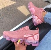 shoes,nike,pink,sneakers,nike shoes,nike running shoes,running shoes,basketball shoes