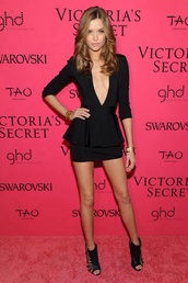 dress,little black dress,celebrity style,celebrity,victoria's secret,victoria's secret model,model,josephine skriver