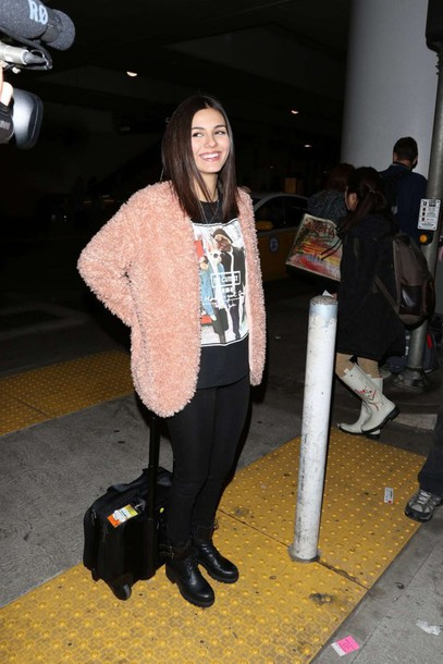 victoria justice fluffy fuzzy coat