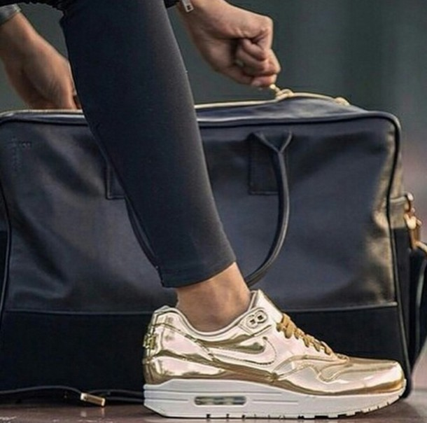 wholesale dealer 7cd08 fd1c2 ... Instagram Logo womens nike air max thea print running shoe .
