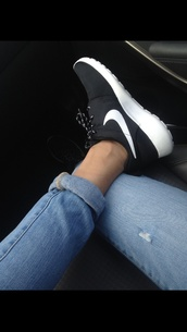 shoes,jeans,nike,trainers,tumblr,black and white,black,black shoes,nike training clothes,nike trainers love,nike free run,fitness,nike running shoes,band,nike roshe run,run,women,nike roshe run black women,denim,grunge,grunge shoes,b&w,nike tennis shoes,roshe runs,in stores,nike shoes,roshes,black nike,hair accessory,jacket,black and white running shoes,nike sneakers,white,white shoes,tumblr shoes,black sneakers,low top sneakers