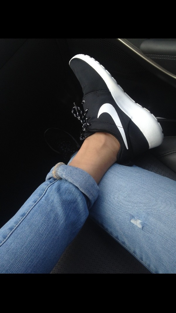 Nike Shoes Black And White Tumblr