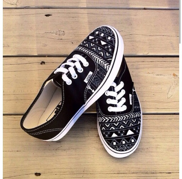 shoes aztec/tribal vans aztec vans vans maya print blanck and white vans of the wall black black and white vans