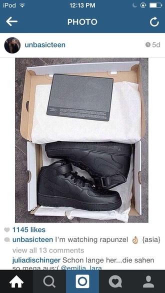 or black nike air force 1