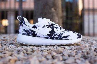 shoes nike black white summer shoes pattern shorts pattern tree nike shoes trainers palm tree print nike trainers palm tree nike free run