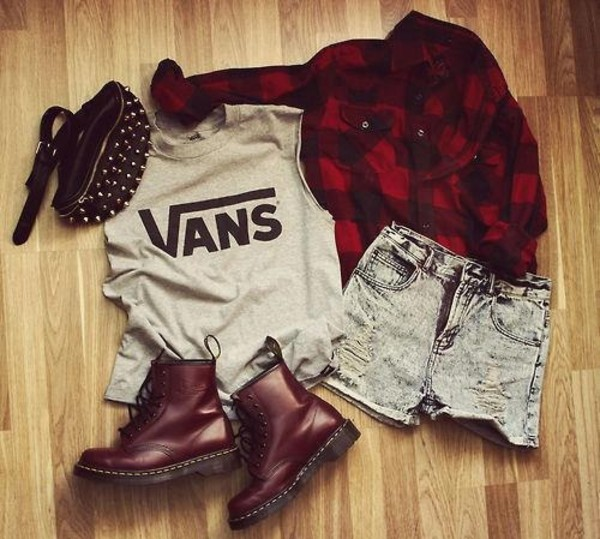 brown boots burgundy grey top vans denim shorts long sleeves flannel shirt flannel red top flat boots