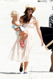 dress,keira knightley,maxi dress,beach dress,beach,hat,sunglasses,shoes,summer outfits,summer,summer dress
