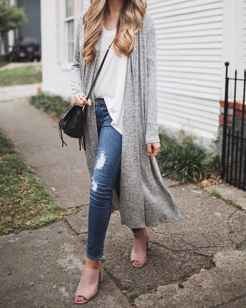 cardigan tumblr long cardigan grey cardigan denim jeans blue jeans ripped jeans t-shirt white t-shirt shoes nude shoes mules spring outfits bag black bag