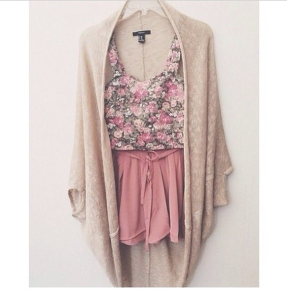 fashion pink shorts jacket tumblr shorts floral bustier bustier top oversized cardigan beige cardigan baggy cardigan