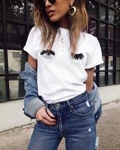 t-shirt,wink