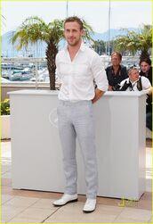 pants,ryan,ryan gosling,grey pants,white shirt,menswear