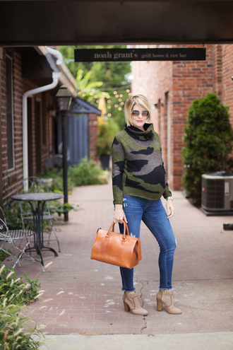 style archives - seersucker and saddles blogger sweater shoes bag jewels turtleneck sweater handbag maternity fall outfits