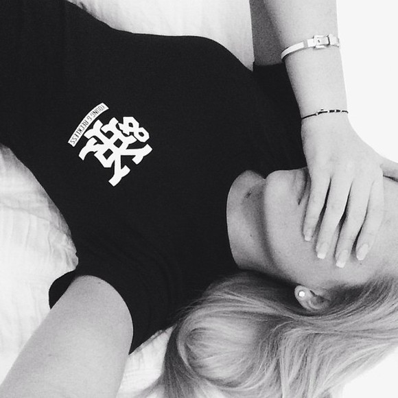 shirt young t-shirt alli simpson black reckless jewels