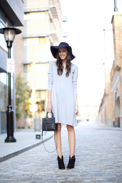 the glam files blogger floppy hat grey dress fall outfits