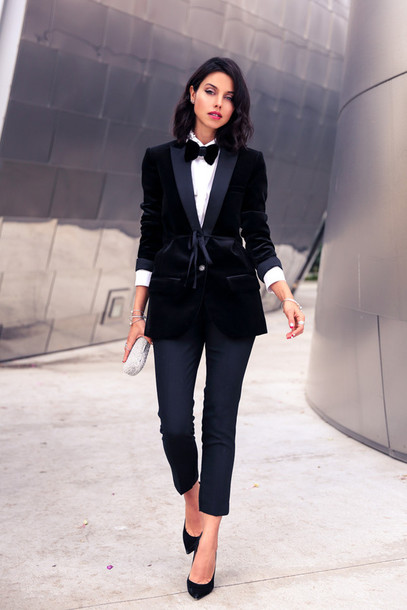 viva luxury blogger cropped pants classy bowtie velvet blazer white shirt boyish jewels jacket pants bag shoes non-binary blazer velvet