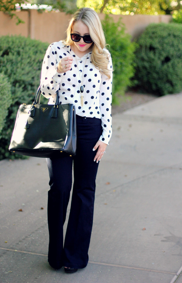 a beautiful heart top jeans shoes bag jewels sunglasses make-up