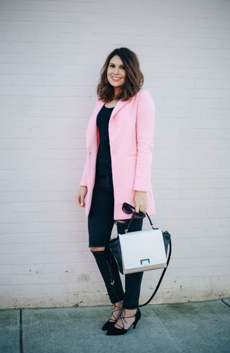 life & messy hair blogger black and white shoulder bag pink coat ripped jeans black shoes sunglasses